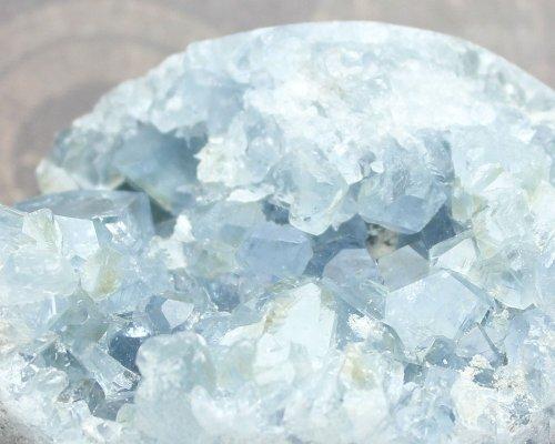 他の写真2: セレスタイト クラスター エッグ型 400g 天然石 原石 置石