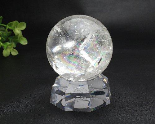 他の写真3: 【セール20%OFF】レインボー入 ◆ 水晶 丸玉 約58ミリ 置石 メール便不可