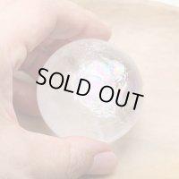 レインボー入 ◆ 水晶 丸玉 約50ミリ 置石 メール便不可